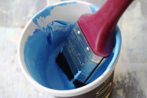 כחול מלכותי.