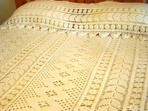 hand_crocheted_white_yarn_bedspread_set_66640814