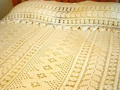 hand_crocheted_white_yarn_bedspread_set_66640814