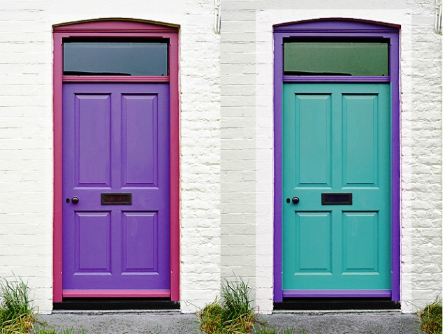 dual-coloured-doors