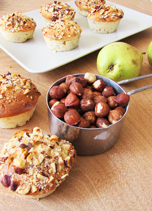 pear-and-hazelnut-muffines-3