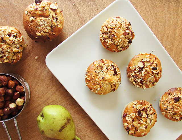 pear-and-hazelnut-muffines-5