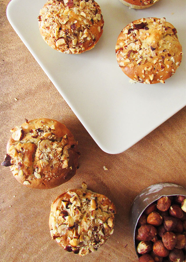 pear-and-hazelnut-muffines-6