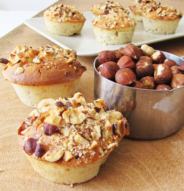 pear-and-hazelnut-muffines-7