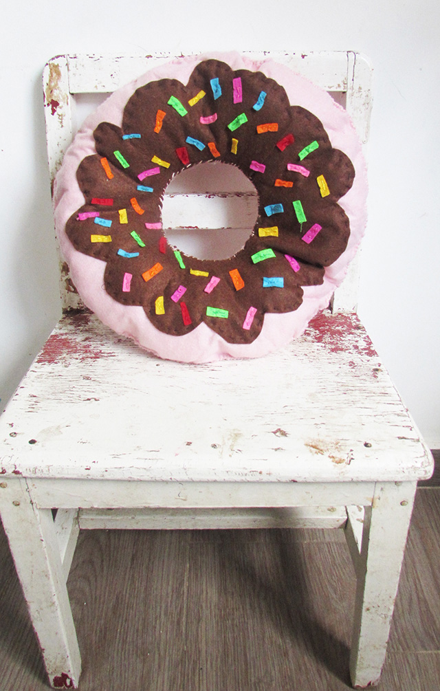donutpillowfinal1small