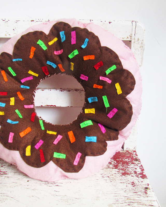 donutpillowfinalsmall