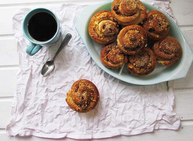 cinnamonwallnutcakes2