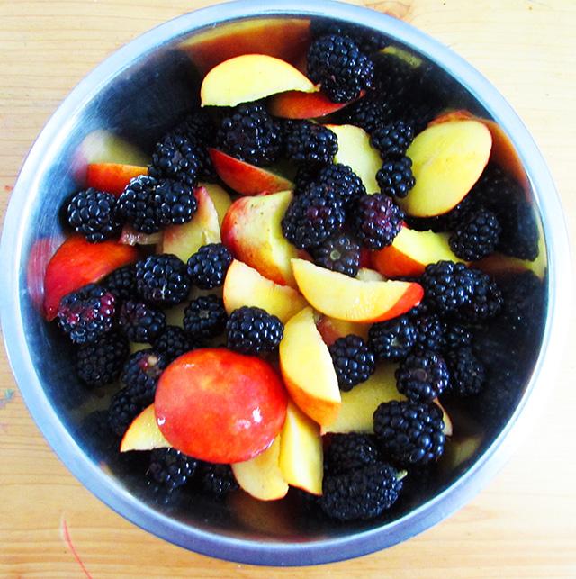 blackberrypeacecrumble6