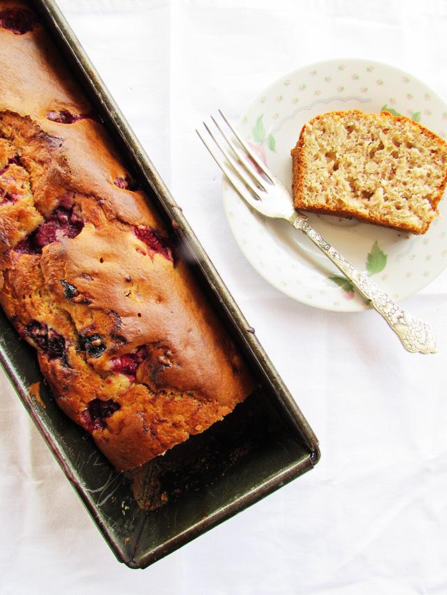 wholewheatbananaberrybread2