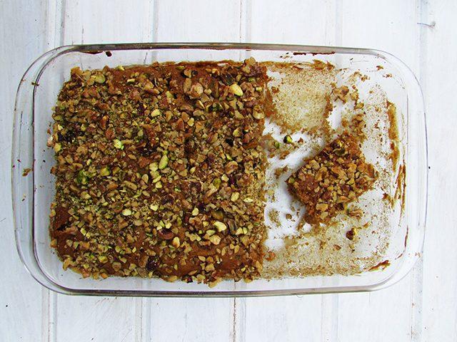 עוגת גזר טבעונית בשתי גרסאות